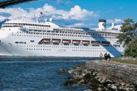 Cruise_Ship_Lions_Gate_Bridge